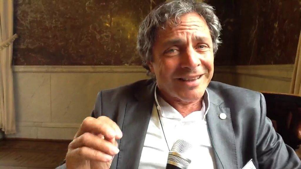 Le Dr Ernesto Burgio nous explique l'épigénétique ou comment la pollution influence le cancer infantile.