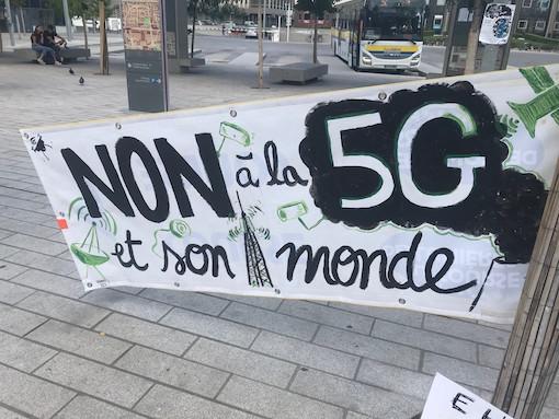 Rassemblement-contre-la-5G-a-la-gare-de-la-Part-Dieu-le-3-septembre-2020